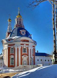 Церковь Смоленской Божьей Матери, Ансамбль Троице-Сергиевской лавры