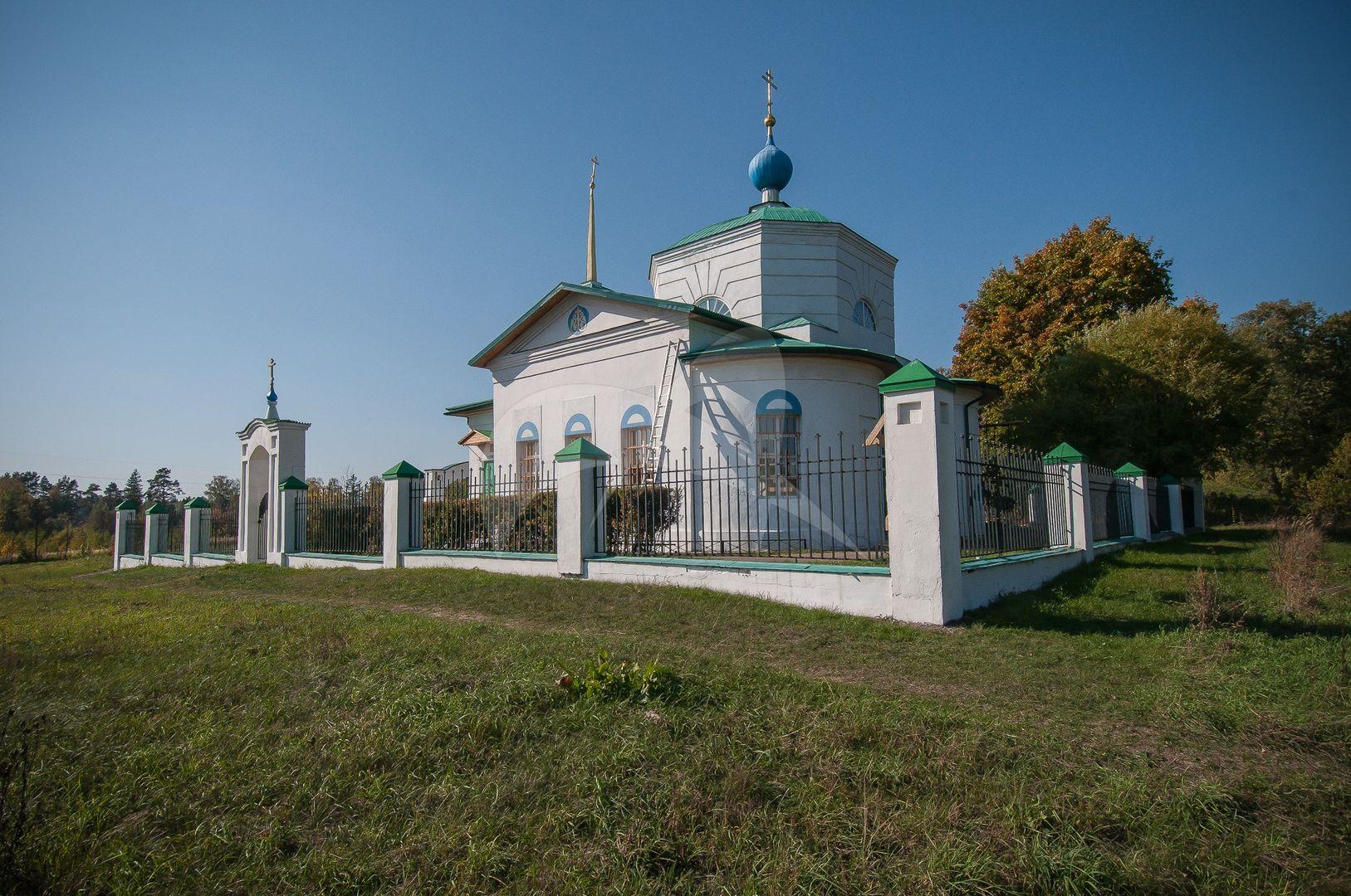 Церковь Покрова Пресвятой Богородицы, 1807-1809 гг., усадьба «Покровское-Огниково»