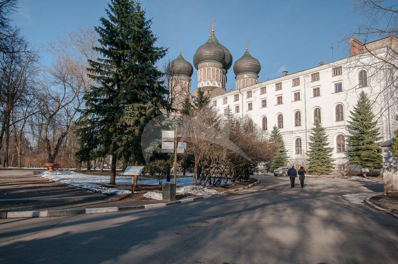 Южный корпус при соборе, Измайловская (Николаевская) военная богадельня, 1835 г., арх. К.А. Тон
