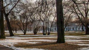 Служебный корпус у Передних ворот (первый корпус на Псарном дворе), Измайловская (Николаевская) военная богадельня, 1835 г., арх. К.А. Тон