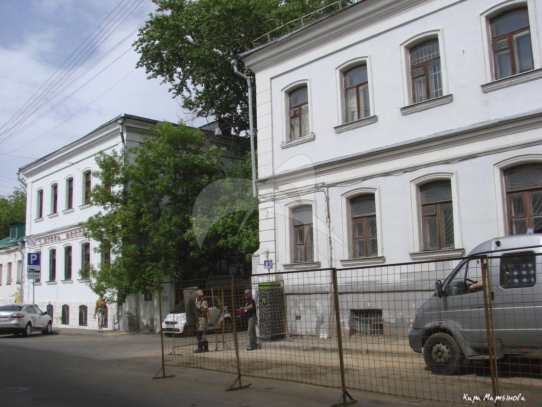 Дома причта Армянской церкви Воздвижения Креста, 1781 г., арх. Ю.М. Фельтен, XIX в.