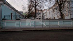 Ограда с воротами, 1903 г., городской усадьбы И.Г. Наумова — А.С. Олениной — В.В. Думнова, архитектор А.М. Щеглов