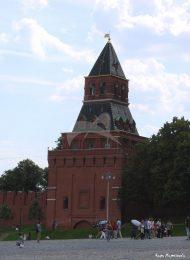 Константино-Еленинская башня, ансамбль Московского Кремля