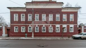 Главный дом с двумя воротами, усадьба Панина, 1830-1840 гг., вторая половина XIX в.