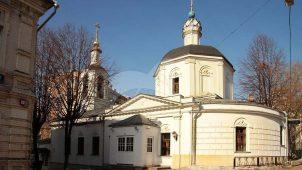 Церковь Покрова Пресвятой Богородицы на Лыщиковой горе, 1696 г. Трапезная и придел, 1748 г.