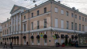 Дом графа Орлова, конец XVIII в., арх. М.Ф.Казаков