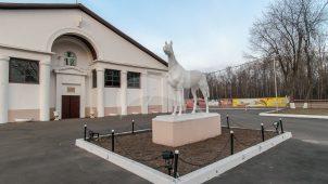 Скульптура скаковой лошади, комплекса конно-спортивной школы в Измайлово