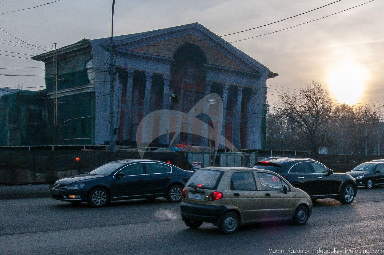 Кинотеатр «Слава», 1952-1957 гг., типовой двухзальный кинотеатр, архитектор И.В. Жолтовский при участии В.Воскресенского и Н.Сукояна