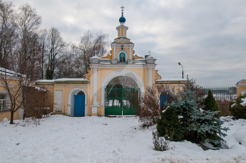 Ворота западные, усадьба Гребнево, XVIII-ХIX вв.