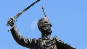 Памятник И.С. Дорохов. Ск-ры С.С. Алешин и Н.Н. Ласточкин, бронза, гранит, 1956 г.