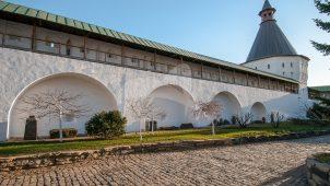 Стена и башни хозяйственного двора, конец XVIII в., Ансамбль Новоспасского монастыря