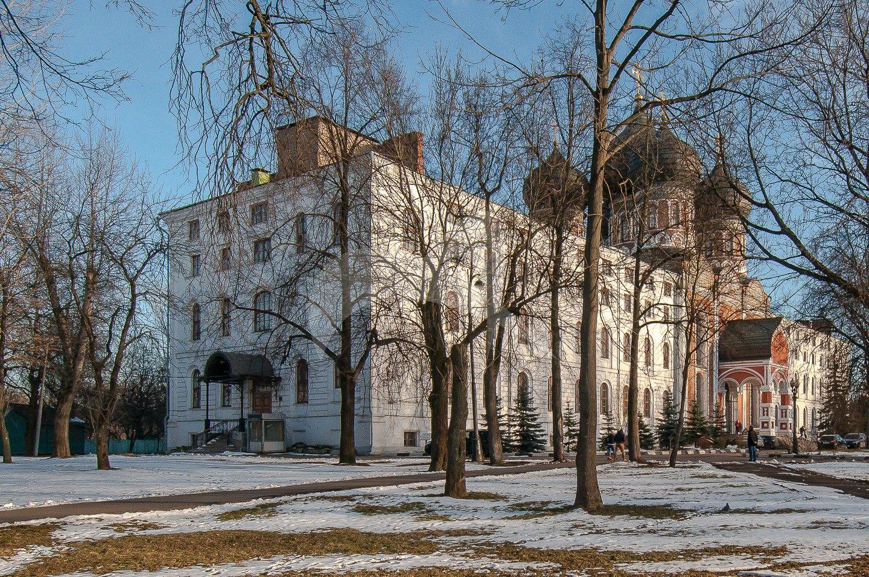 Северный корпус при соборе, Измайловская (Николаевская) военная богадельня, 1835 г., арх. К.А. Тон