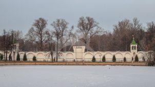 Пилоны ворот между летней и старой зимней гостиницами, Николо-Угрешский монастырь, ХVI-ХVII вв.