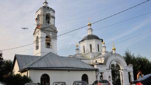 Церковь Троицы, 1698-1704 гг., 1783 г., усадьба у пристани Троицкое