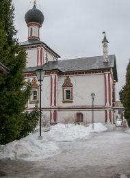 Троицкая церковь, Ансамбль Ново-Голутвинского монастыря, ХVII-ХVIII вв.