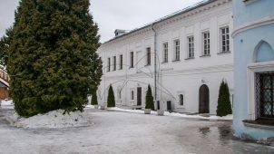Братский корпус, Ансамбль Ново-Голутвинского монастыря, ХVII-ХVIII вв.
