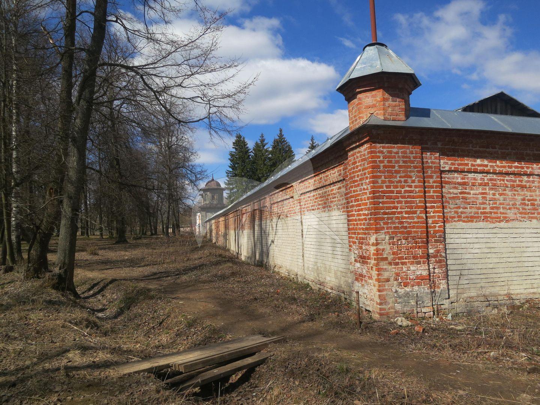 Ограда южной части монастыря, монастырь «Вознесенская Свято-Давидова пустынь»