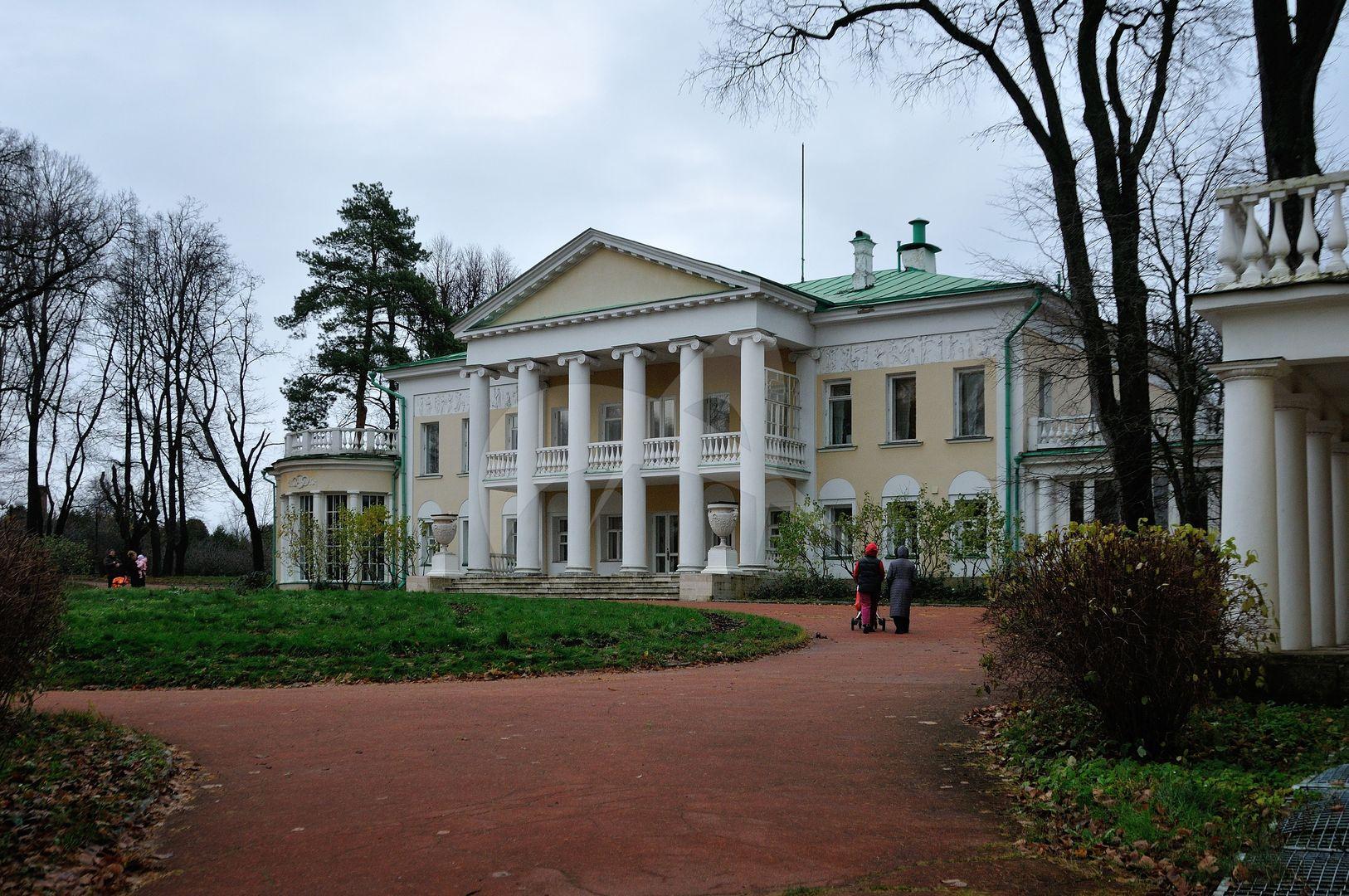 Главный дом, ансамбль усадьбы Горки Ленинские, ХIХ в.