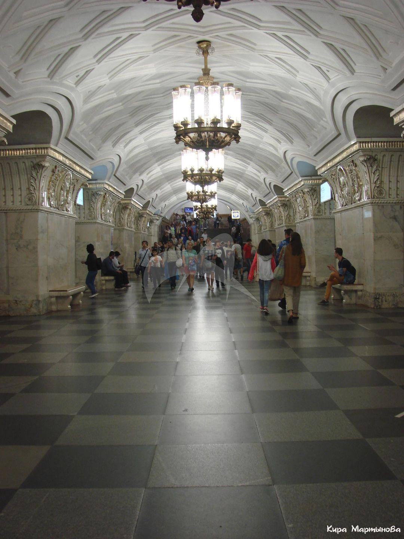 Станция Московского метрополитена Кольцевой  линии «Проспект Мира», 1952 г., арх. В.Г. Гельфрейх, М.А. Минкус.