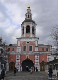 Надвратная церковь и колокольня, середина XVII в., Даниловский монастырь
