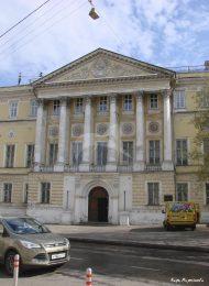 Главный дом с интерьерами («Золотые комнаты»), конец XVIII в. — начало XIX в., арх. М.Ф. Казаков, дом Демидова