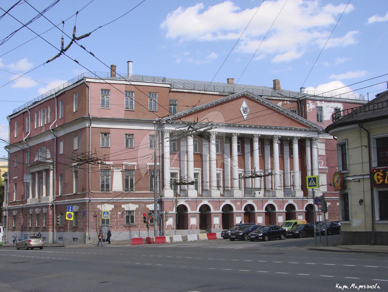 Дом Мусина-Пушкина, три флигеля и ограда, конец XVIII в., арх. М.Ф. Казаков