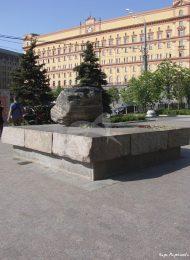 Памятное место «Соловецкий камень на Лубянской площади»