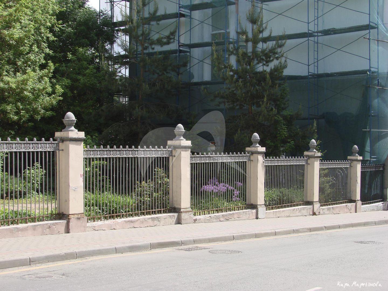 Ограда с воротами, начало XX в., городская усадьба Г.П. Юргенсона, арх. В.Д. Глазов