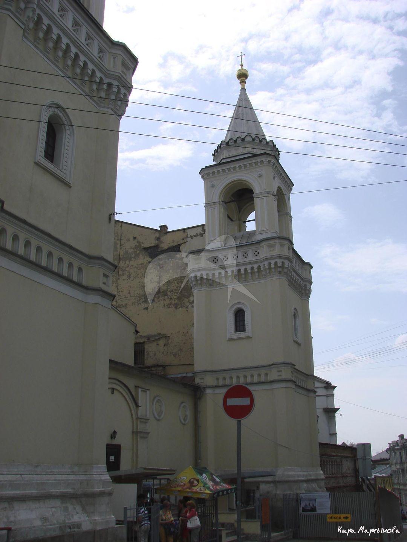 Ограда с башнями, ансамбль Ивановского монастыря