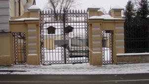 Пилон ворот, 1895 г., арх. В.А. Коссов, городская усадьба М.Г. Спиридова — Ф.К. Рюхардт — лечебница О.Г. фон Шимана