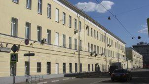 Солдатский корпус № 2 со стеной оградой по Спасской улице, комплекс Спасских казарм