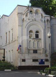 Дом Мамонтова с двухэтажной квартирой худ. М.А. Врубеля, построенной по его проекту в 1891-1892 гг. В доме — два майоликовых камина и две печи, сделанные по эскизам Врубеля