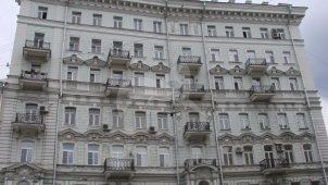 Доходный дом Н.Д. Телешова, 1900 г., арх. С.В. Барков, надстройка 1947 г. В этом здании находится квартира, в которой жил Эйзенштейн Сергей Михайлович в 1920-1934 гг.