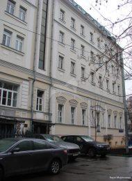 Жилой дом с палатами П.В. Макулова – М.З. Шамзарова, 1690-е гг., XIX в. — начало XX в.  Здесь в 1830-1840-х гг. жил и работал скульптор И.П. Витали