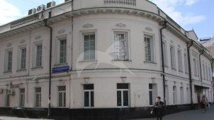 Дом историка Н.С. Всеволожского (с 1839 г.). Здесь родился и жил декабрист В.С. Норов. В доме бывал в 1880-е гг. Л.Н. Толстой
