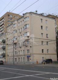 Жилой дом, в одной из квартир которого в 1920-1930-х гг. жил и работал выдающийся русский писатель М.А. Булгаков