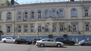 Здание гостиницы «Петербург», здесь в 1845 г. останавливался и жил врач-хирург Н.И. Пирогов