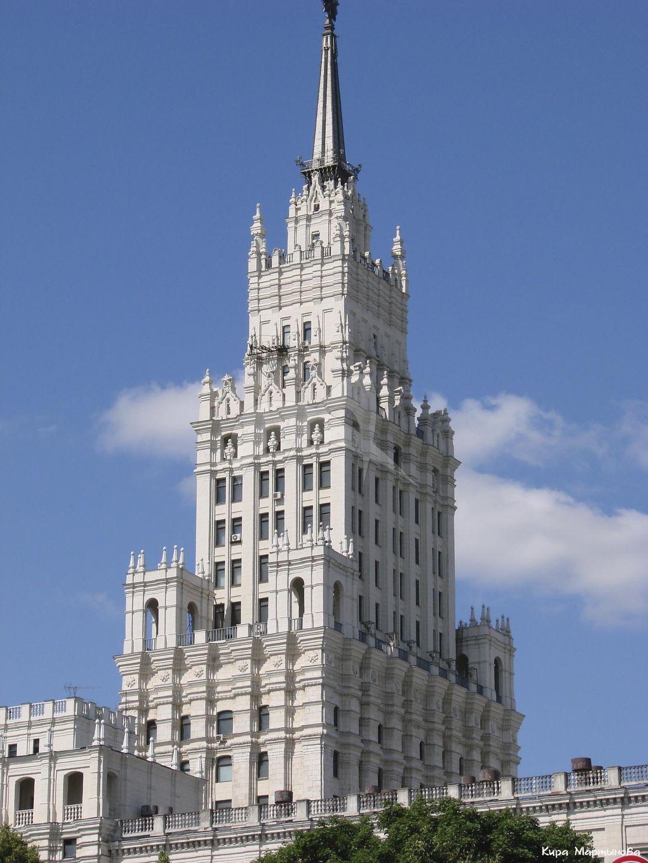 Административно-жилое здание, 1947-1952 гг., арх. Душкин А.Н., Мезенцев Б.С.