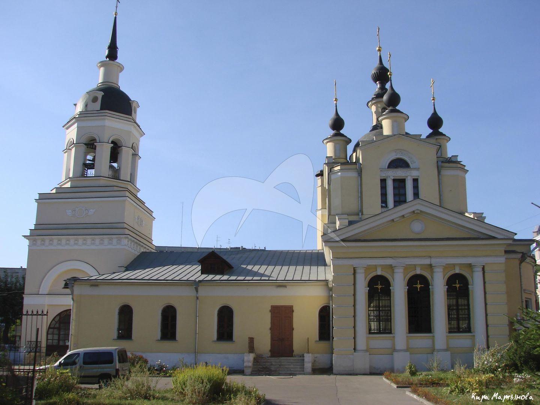 Церковь Покрова в селе Красном, 1701 г., 1816-1838 гг., арх. О.И. Бове