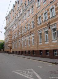 Здание, в одной из квартир которого, в 1881-1885 гг. жил и работал писатель А.П.Чехов