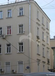 Доходный дом М.И. Коровина, 1897 г., арх. И.Г. Кондратенко. Здесь в кв. № 35 в 1903-1904 гг. жил и работал писатель А.П. Чехов