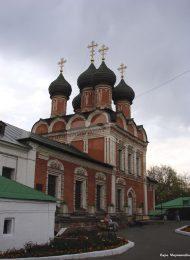 Боголюбская церковь, 1685 г., ансамбль Высоко-Петровского монастыря