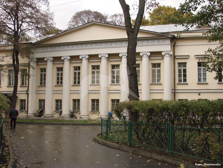 Дом Г.П. Гагарина, 1792 г., с перестройкой начала XIX в., арх. О.И. Бове