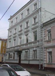 Жилой дом, XIX — 1-я половина XX вв. Здесь в квартире № 14 в 1927-1939 гг. жил и работал академик И.М.Губкин