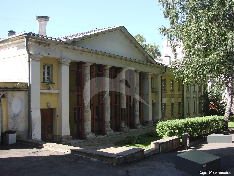 Служебный корпус, 1778 г., арх. М.Ф. Казаков, усадьба Голицына