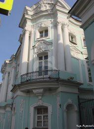 Главный дом с двумя боковыми флигелями, арх. Д.В. Ухтомский, дом Апраксина, 1766-1768 гг.