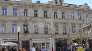 Доходный дом, 1837-1839 гг., 1887 г., арх. М.Г. Пиотрович