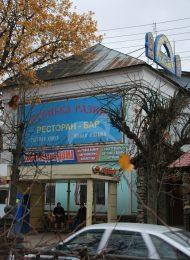 Комплекс застройки Торговой площади: общественное здание