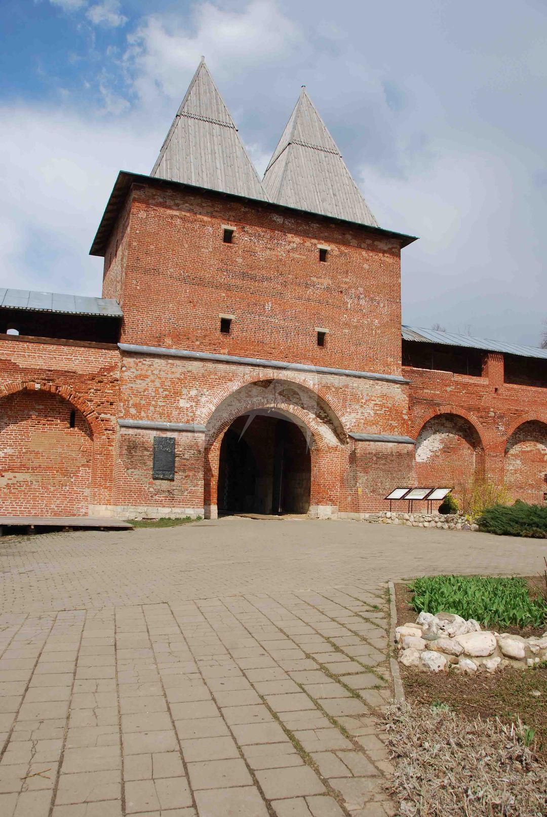 Никольские ворота, 1531 г., Ансамбль Зарайского кремля