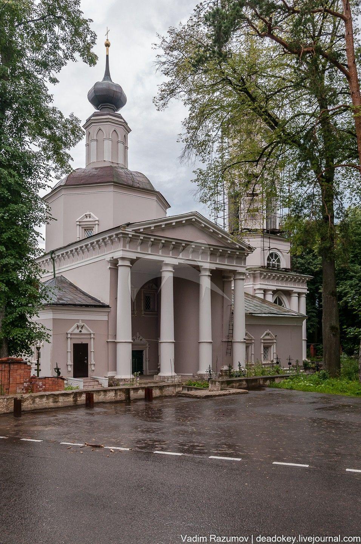 Церковь Иоанна Предтечи, 1704-1709 гг., 1779 г., 1780-е гг., арх. М.А. Протасьев (?)